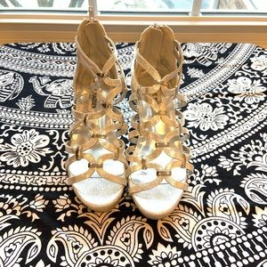 Girls Steve Madden silver wedge sandals